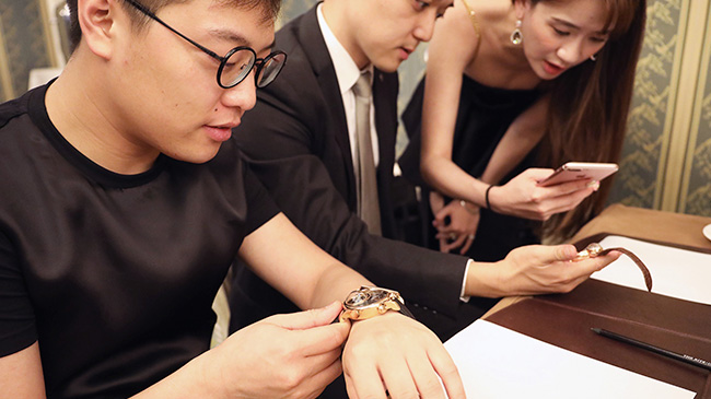 Jaquet Droz, Culture Lecture at Beijing, fitting